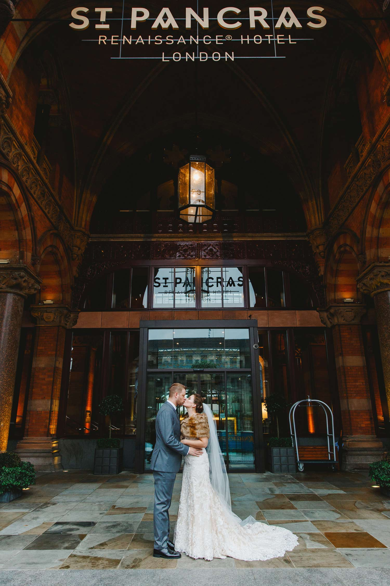 St Pancras engagement shoot