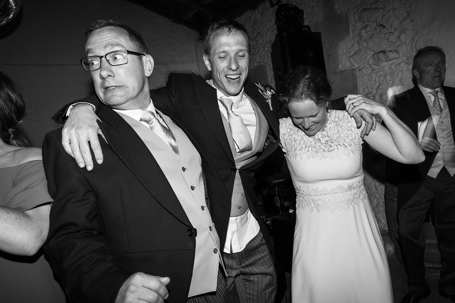 Wedding guests having fun on the dancefloor at Chateau Rigaud in Bordeaux - French wedding photographer